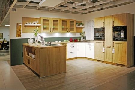 U-förmige Küche